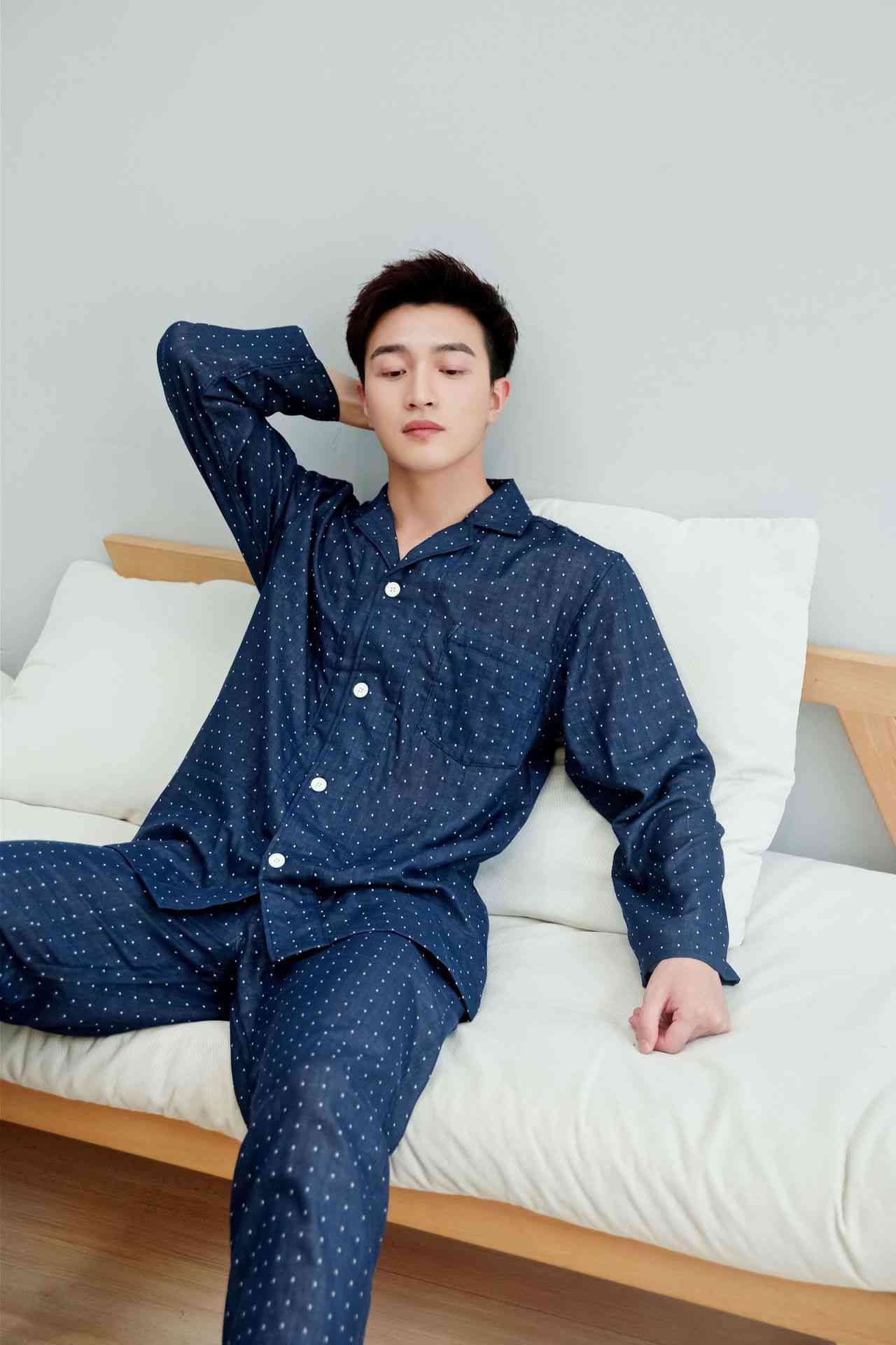 Japanese-style seamless combed cotton double-layer gauze couples pajamas on sale