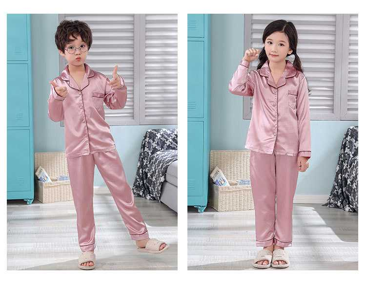 New pajamas for a family of three cartoon ice silk long-sleeved spring and autumn family suit on sale 9